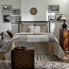 Ashmont Quilt by Lasting Impressions