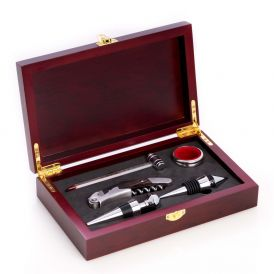 Five Piece Wine & Bar Gift Set