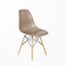 The Mid-Century Eiffel Dining Chair with Natural Wood Legs